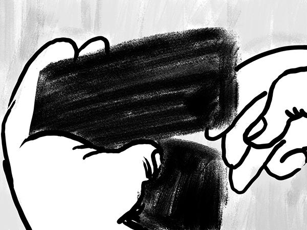 Bild aus Storyboard, Closeup Hand öffnet Portemonnaie